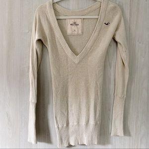 Hollister Long Sleeve V-Neck Cream Sweater XS